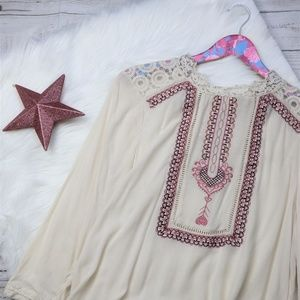 Buckle Skylar & Jade Boho Peasant Top Lace Detail